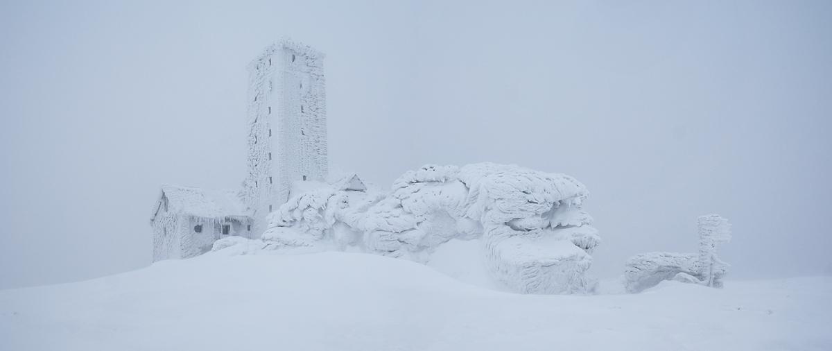Stacja przekaźnikowa nad Śnieżnymi Kotłami