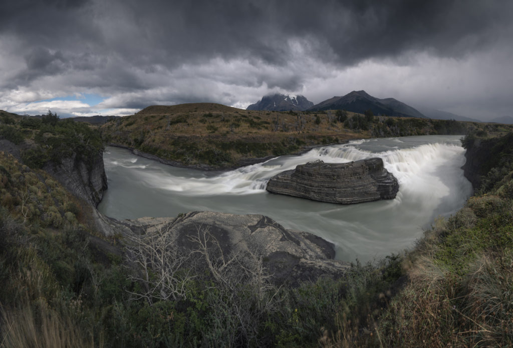 Cascada Rio Paine, patagonia torres del paine argentyna chile mountains