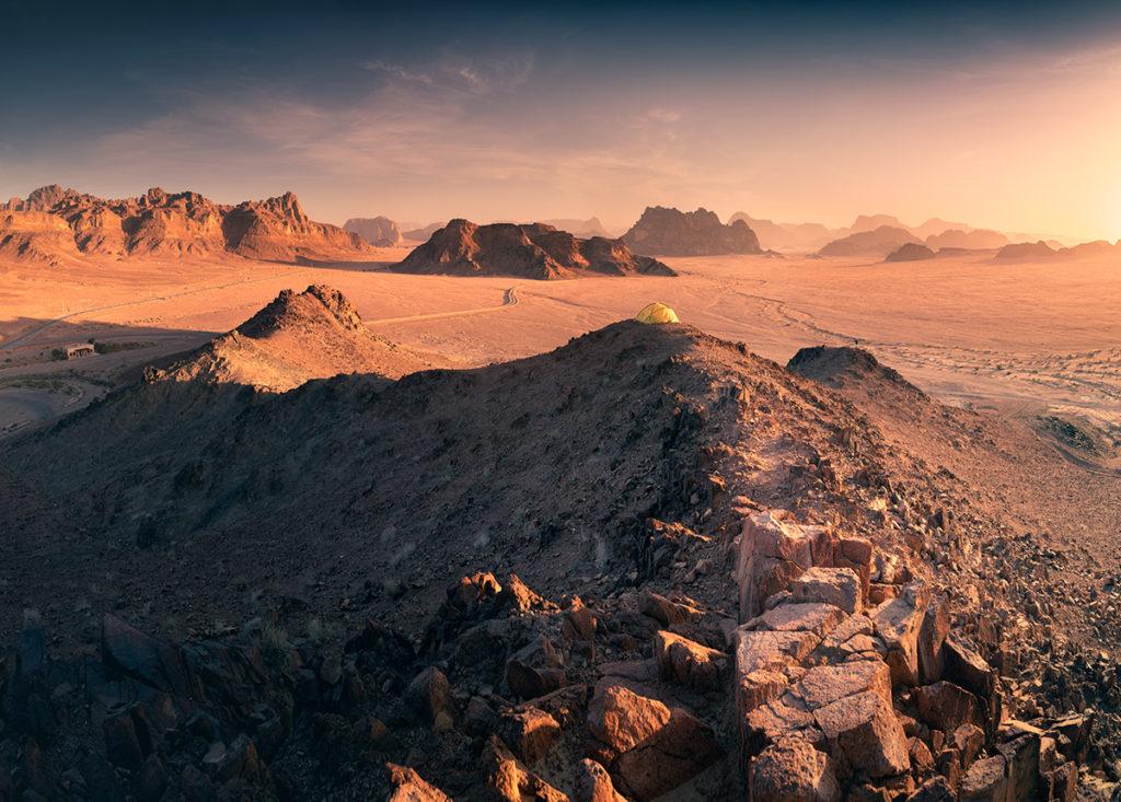 Wadi rum pustynia biwak namiot na szczycie desert jordan jordania