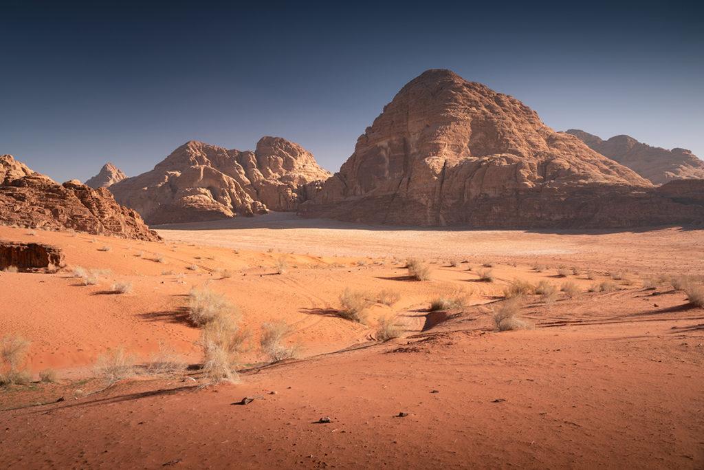 Wadi rum pustynia desert jordan jordania góry krajobraz pustynny