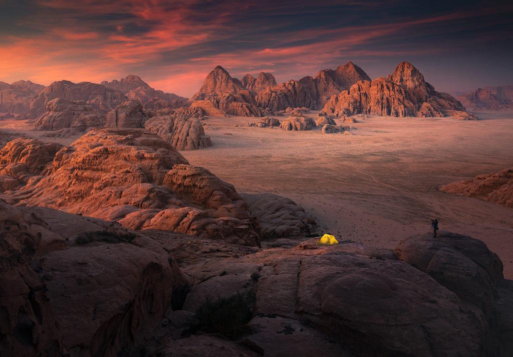 Wadi rum pustynia desert jordan jordania góry krajobraz pustynny zachód słońca na pustyni namiot biwak