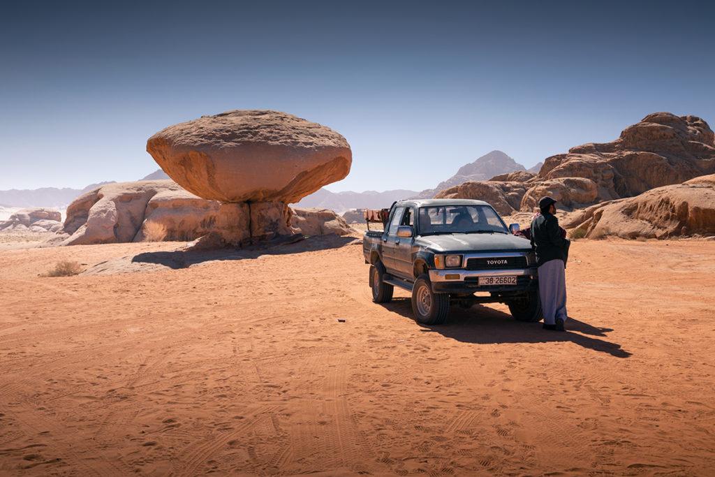 Wadi rum Rock Mushroom pustynia desert jordan jordania góry krajobraz pustynny