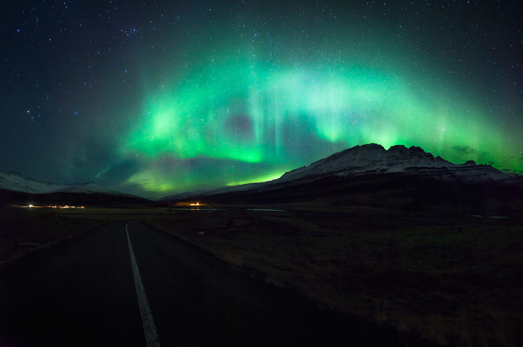 zorza polarna, krajobraz nocny, Islandia
