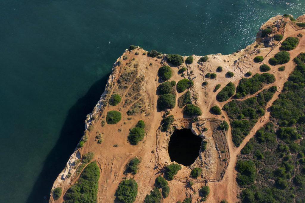 jaskinia benagil drone