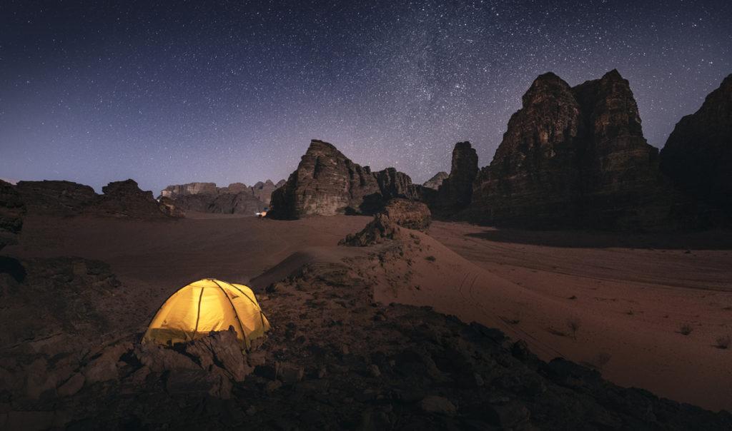 Wadi Rum pustynia zdjęcie nocne Jordania